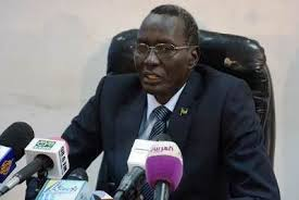 Finance and Economic Planning minister Hon. Stephen Dhieu Dau speaking to the press. (FIle Photo)